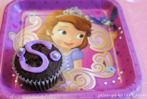Cupcake on Sophia the First Plate #DisneyKids Preschool Playdate!